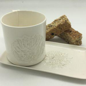 Protea Mug and Slate in White